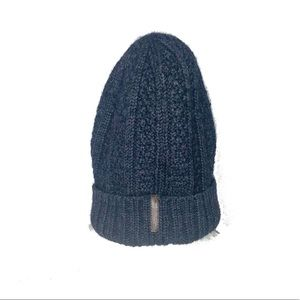 Armani Exchange | Gray Cable-Knit Beanie
